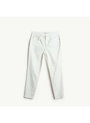Yargıcı Kısa Paça Pantolon Beyaz